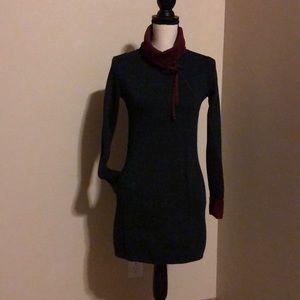 Grey and maroon long sweater / short dress
